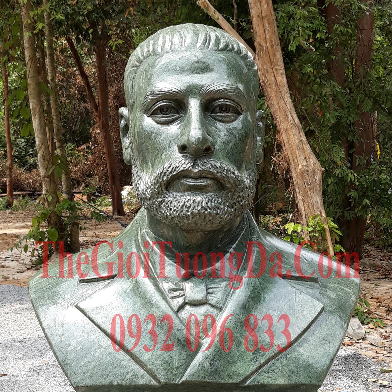 Tượng Chân Dung Bs Alexandre Yerin